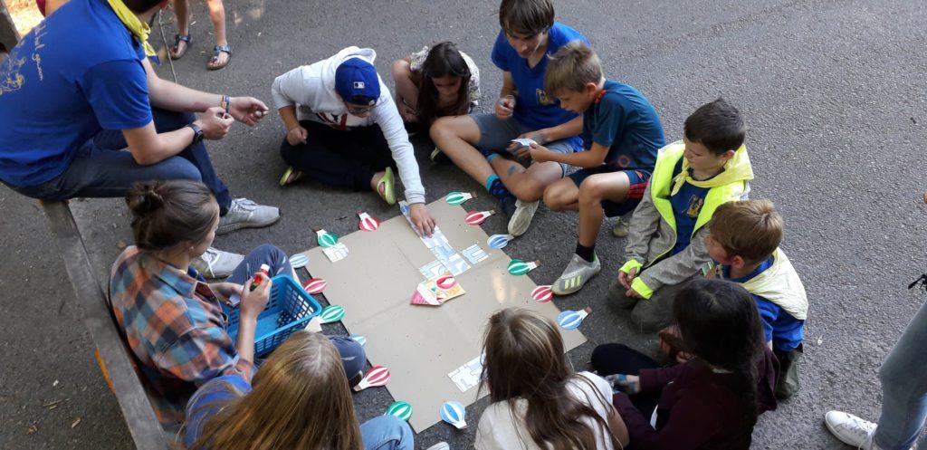 Kinderen spelen een spel